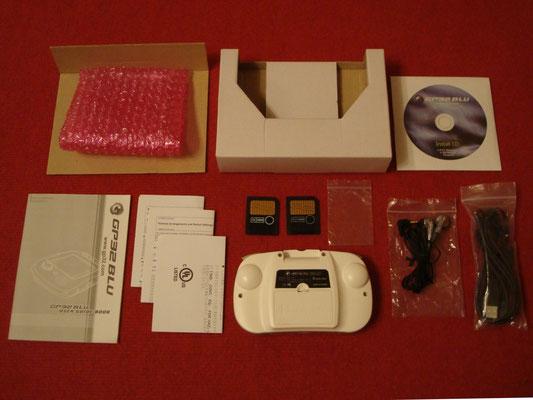 Contenido de la caja de la GamePark GP32 BLU