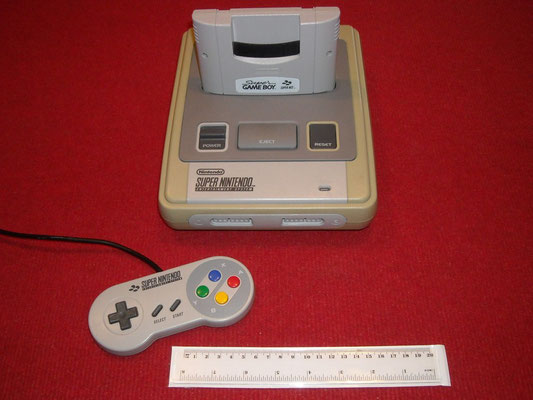 Super Game Boy acoplada en la consola Super Nintendo