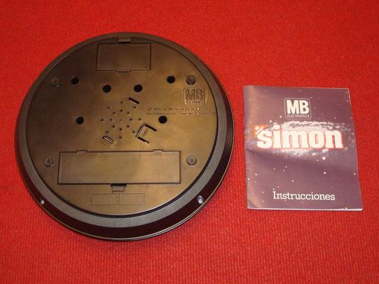 Contenido de la caja del MB Simon