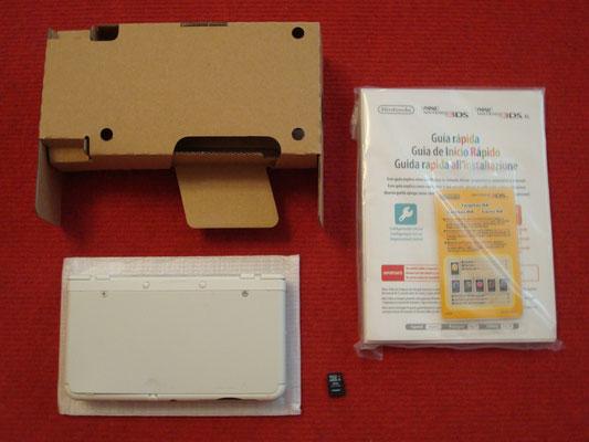 Contenido de la caja de la Nintendo New 3DS