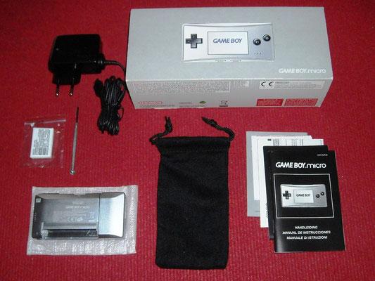 Contenido de la caja de la Game Boy Micro
