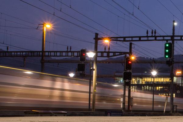 Der Tag erwacht im Bahnhof Olten