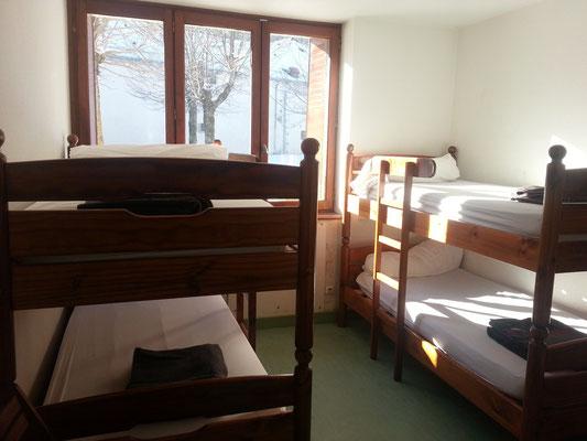 Chambres de 4 places avec sanitaires inclus