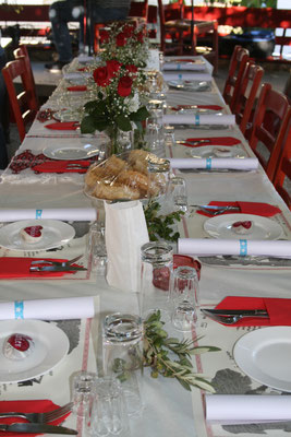 einfache Tischdekoration Hochzeit