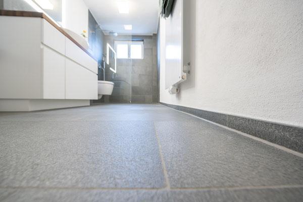 Fliesenlegerfachbetrieb Fliesenfachgeschäft Matthias Raisch - Bad & WC mit Naturstein aus fairem Abbau - Boden im Detail - www.raisch-fliesen.de