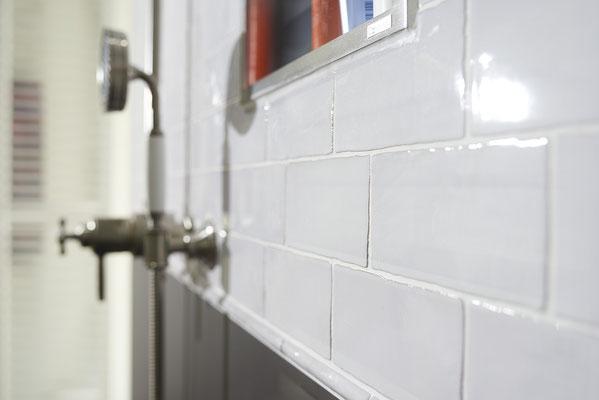 Fliesenlegerfachbetrieb Fliesenfachgeschäft Matthias Raisch Referenzen: Neues Bad in altem Fabrik Loft
