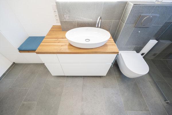 Fliesenlegerfachbetrieb Fliesenfachgeschäft Matthias Raisch - Bad & WC mit Naturstein aus fairem Abbau - Waschtisch - www.raisch-fliesen.de