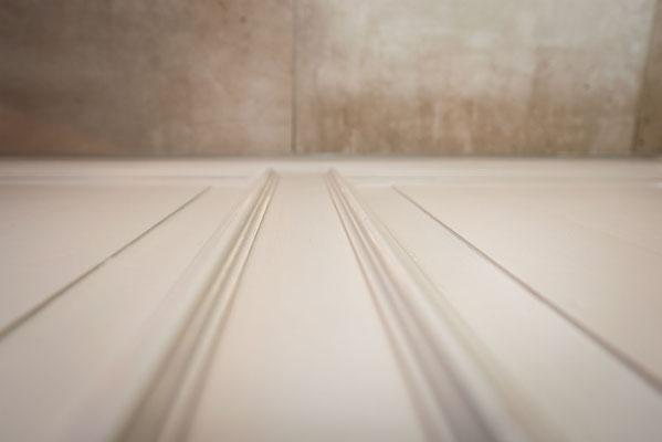 Raisch Fliesen Stuttgart, Esslingen und Filderstadt - Modernes barrierefreies Bad mit Betonoptik Fliesen in Esslingen Raum Stuttgart - Detail Fliesen