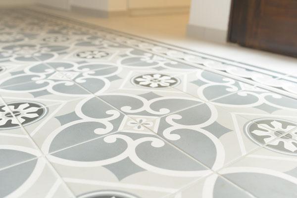 Flurboden floral - ausdrucksstarke Fliesen mit Charme von Raisch Fliesen, Stuttgart und Ostfildern - Detail