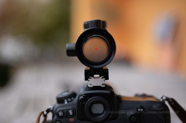 Der rote Punkt erleichtert das Auffinden von DSO und Ausrichten der Kamera beim Blick in den Sternenhimmel
