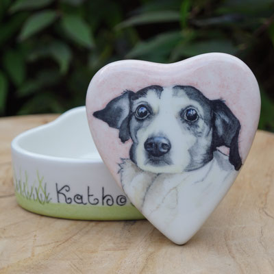 Troosturntje-troosturntjes-mini-urntje-mini-urntjes-mini-urn-hond-hart-mini-urn-hartvorm-mini-urn-hartvormig-urntje-hond-hartvormige-urntjes-voor-dieren-keepsake-herinneringsdoosje-herinneringsdoosjes-keramiek-honden-urntjes-voor-honden-urnen