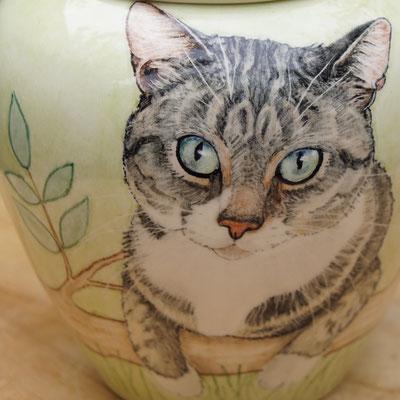 persoonlijke-urn-kat-urn-voor-kat-unieke-dieren-urnen-voor-katten-urnen-voor-dieren-urn-kat-met-foto-bijzondere-dieren-urn-laten-maken-persoonlijke-urnen-kat-handbeschilderde-urnen-handbeschilderd-bijzondere-urn-cyperse-kat-mooie-dieren-urnen-mooie-urnen