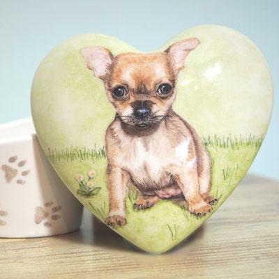 unieke-handbeschilderde-dieren-urnen-voor-dieren-urn-hond-handbeschilderde-honden-urnen-voor-huisdieren-handgeschilderde-honden-urnen-maatwerk-urn-voor-dieren-bijzondere-dierenurnen-urnen-voor-hond-hartvormige-urnen-honden-mini-urnen-mini-urn-chihuahua