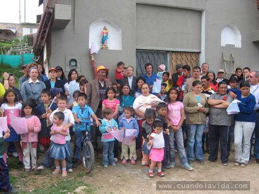 Entronización del Virgen. 2007. Barrio Villas de la Capilla con el Exalumnado del Centro María Auxiliadora