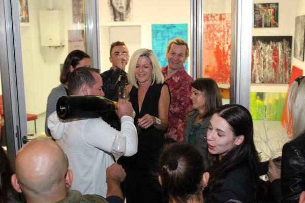 Rob Morton (Summerstage) versorgte uns mit Champagner
