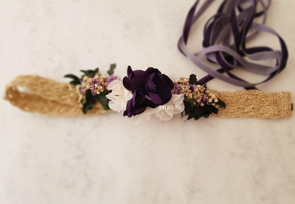 Ana (Cinta de rafia trenzada y flores de seda)