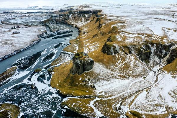 Irgendwo in Süd-Island, (Drohnen-Aufnahme)