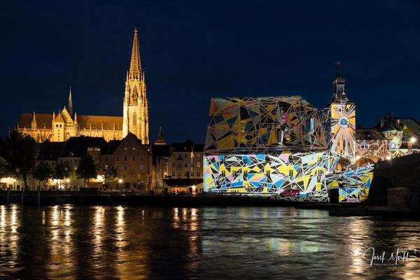 Regensburg, Licht-Show, Juni 2018, Dom, Salzstadel und Brückturm