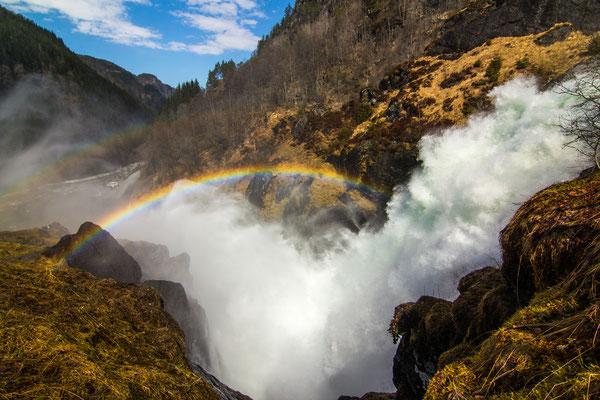 der Wasserfall Låtefossen