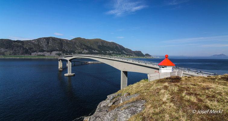Brücke von Runde nach Fosnavag, Norwegen
