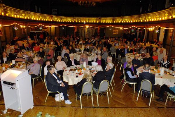 Adventsfeier mit 200 Mitgliedern