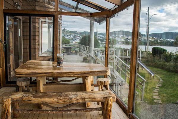 Sala de estar con vista al mar