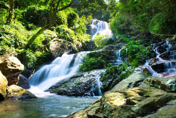 Waterval in de botanic garden in Phong Nha, Vietnam