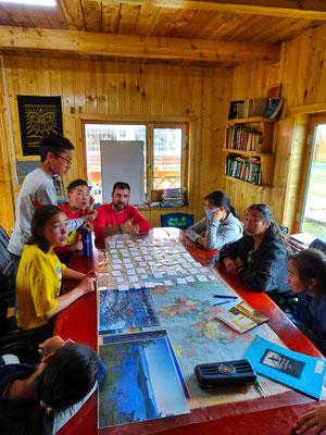 Engelse les geven in Mörön Mongolië