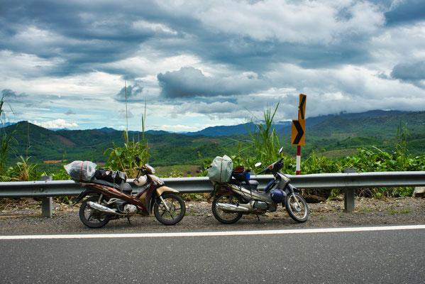de 2 motorfietsen hebben ons en onze bagage door heel Vietnam gereden