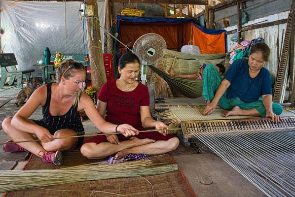 De kunst van het weven van rieten matjes