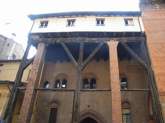 Casa isolani  Bologna - Visita guidata GuideInBologna