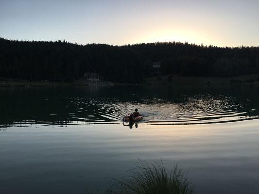 Lac Genin à la tombée de la nuit