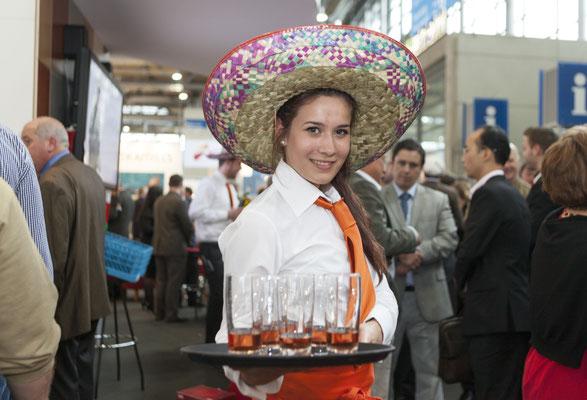 Mexicoabend auf der Messe - der Service im richtigen Outfit