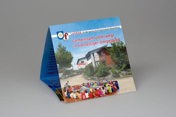 Prospekt Wickelfalz, Primarschule Rünenberg
