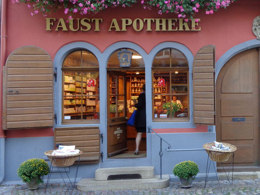Staufen im Breisgau. Hier hat der Apotheker Faust gelebt, nach dessen Legende Goethe seinen Faust geschrieben hat