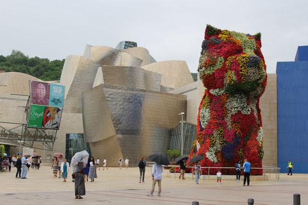 """Spanien, Bilbao, Guggenheim Museum, Jeff Koons """"Puppy"""""""