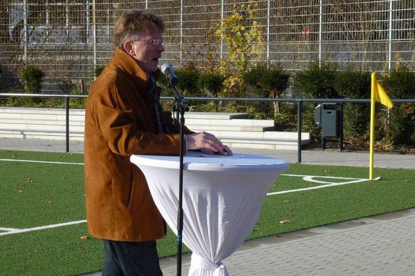 Der erste Redner: Michael Kurtz, Leiter des Sport- und Bäderamtes der Stadt Essen