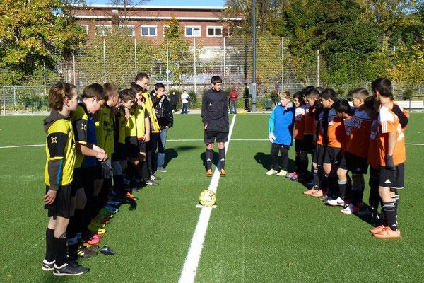 27.10.2012: D-Jugend - Ballfreunde Bergeborbeck D2 - Anpfiff (Foto: mal).