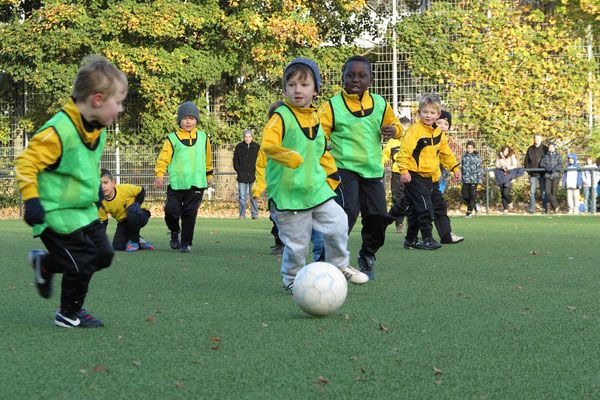 27.10.2012: Trainingsspiel der Bambini 2 (Foto: r.f.).