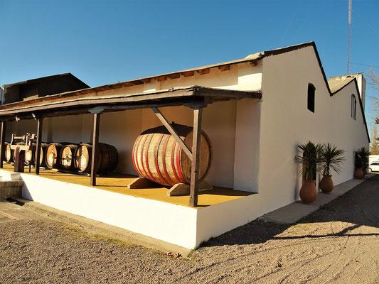 Bei Cabrini lagert der Messwein für kurze Zeit an der Sonne