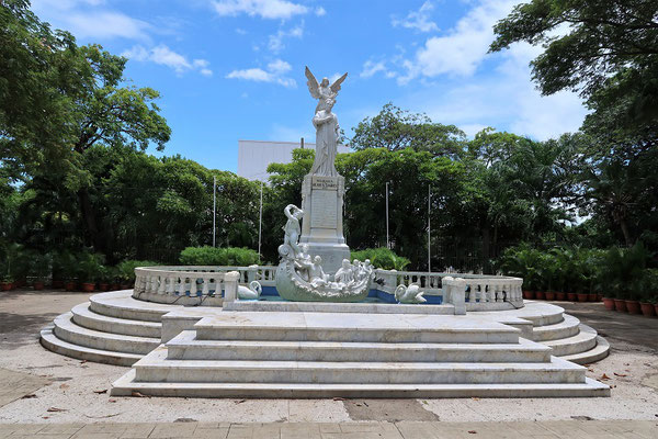Denkmal des wichtigsten Dichters Nicaraguas - Rubén Darío