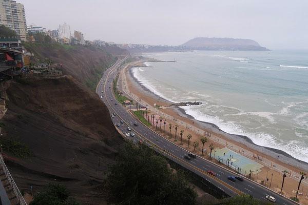 Blick vom Shopping über die Küste
