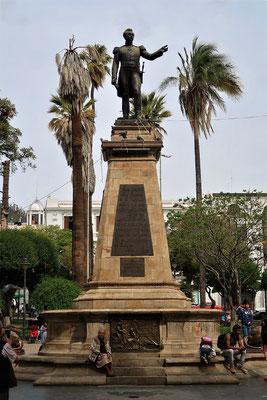 Plaza mit dem bolivianischen General und Freiheitshelden - A. J. de Sucre
