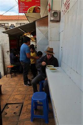 Mittagessen im Mercado Central - Sopa de Arroz