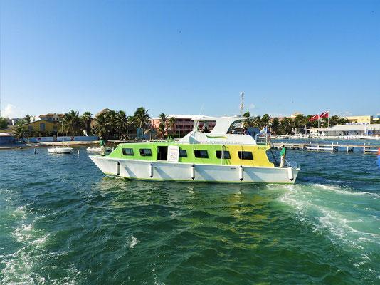 Mit dem Wassertaxi geht's zurück nach Belize City