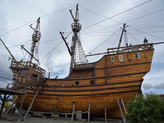 Kopie vom Haupt-Schiff Hernando Magellans - Entdecker der Magellan-Strasse