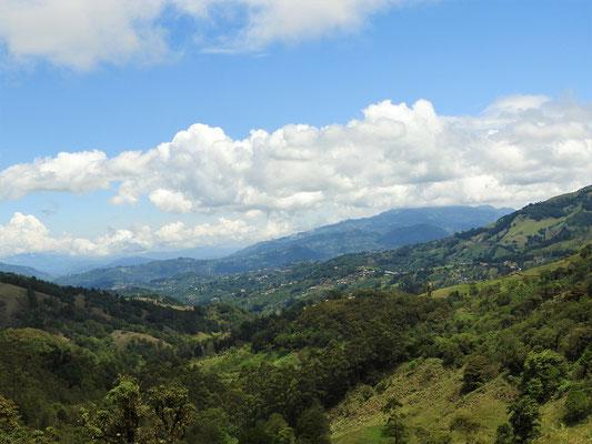 Blick von der Panamericana runter ins Tal