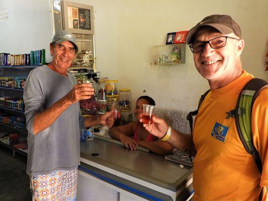 Kleine Stärkung - Kräuter in Cajasa eingelegt