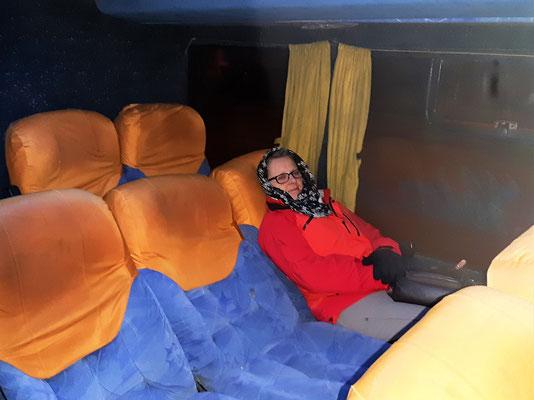 Eine kalte Busfahrt nach Antofagasta steht uns noch bevor - Heizung im Bus funktioniert auf 3800müM nicht mehr :o(
