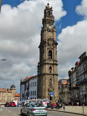 Igreja dos Clérigos 18. Jh. mit seinem 75 m hohen Turm - 240 Stufen!